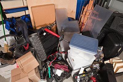 Clean the garage to fit your car - Three reasons to rent a summer storage unit in Winnipeg - Winnipeg Storage - StorageVille